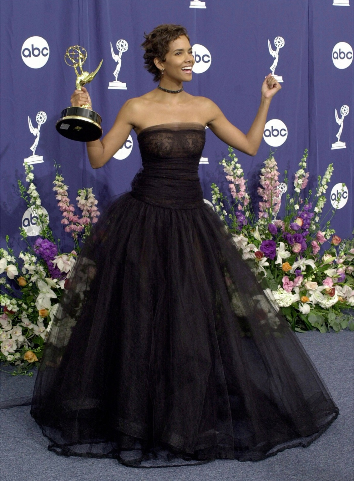 halle_berry_black_strapless_tulle_gown_on_sale_at_abc_awards copy