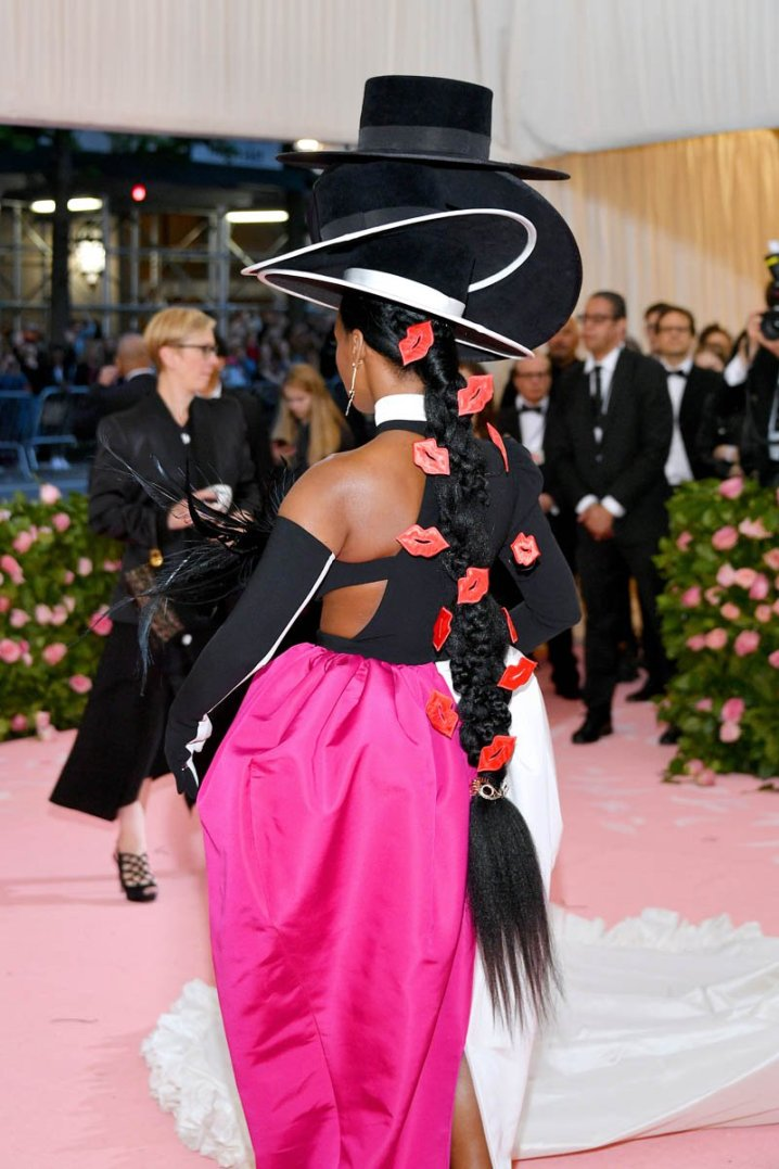 janelle-met-gala-07may19-08